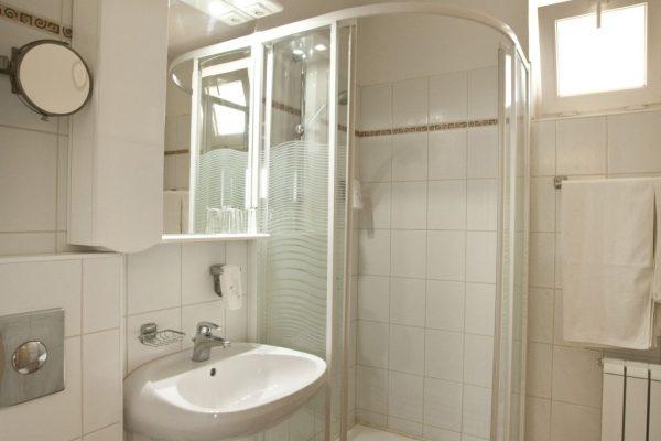 Atrium-bath