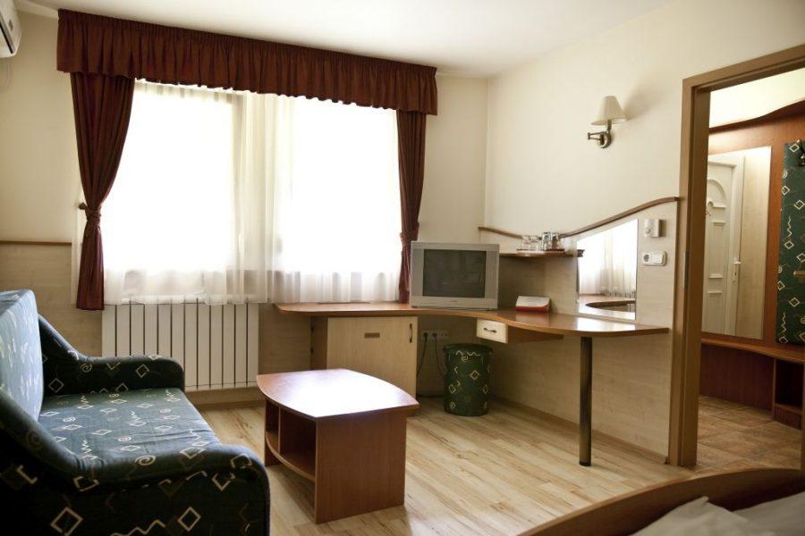 Atrium-room3