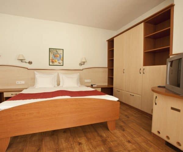 Atrium-room4