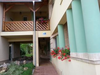 Hotel Makár Átrium épület