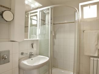 Hotel Makár Átrium fürdőszoba