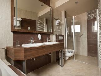 Hotel Makár Deluxe fürdőszoba