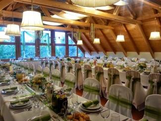 Makár Óbester esküvői-terítés