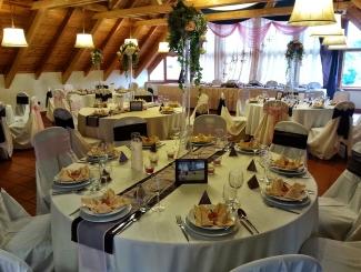 Makár Óbester esküvő-körasztalos