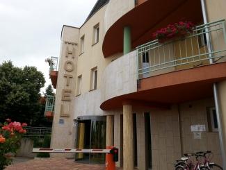 Hotel Makár Central épület utcai oldal