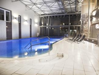 Hotel Makár beltéri medence/pool