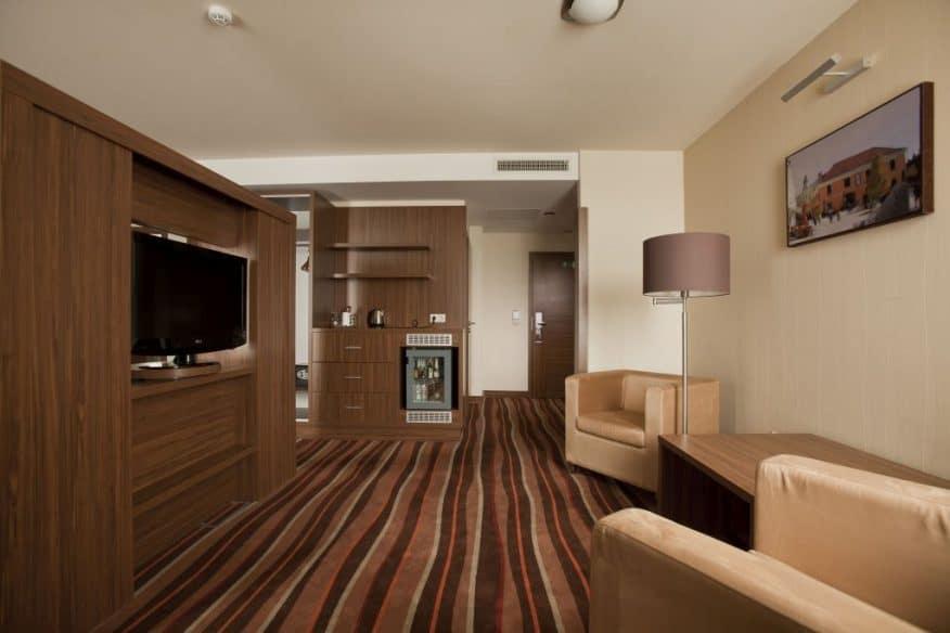 Hotelmakar-deluxe-room-pecs