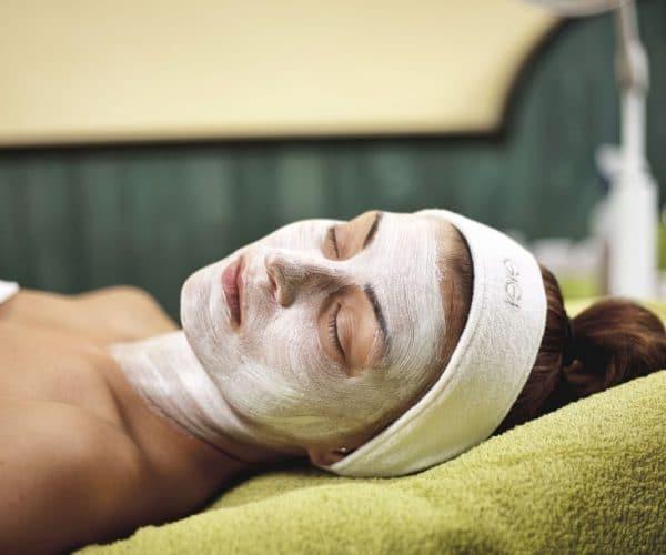 Hotelmakar-gigi Kozmetika