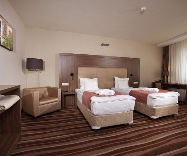 Superior (4*) 26.400 HUF/2 Person/night; More Nights: 24.900 HUF/2 Person/night
