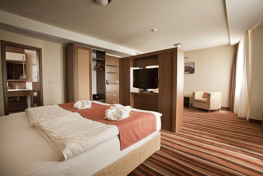 Hotelmakar-deluxe-room1