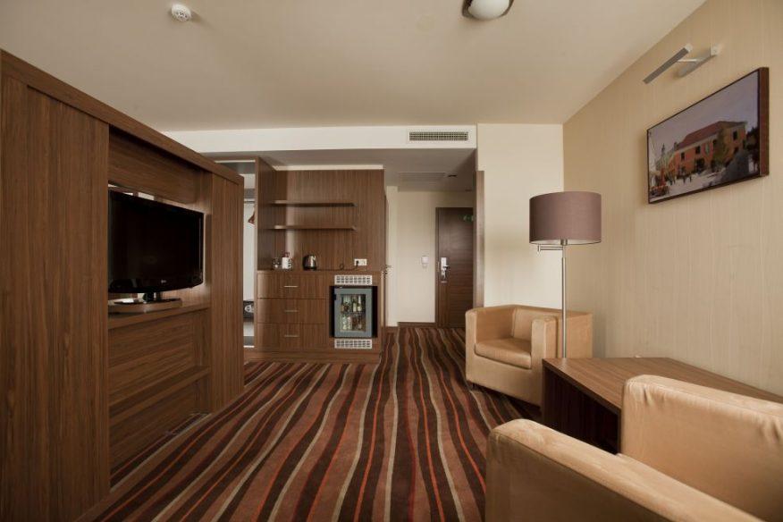 Hotelmakar-deluxe-room3