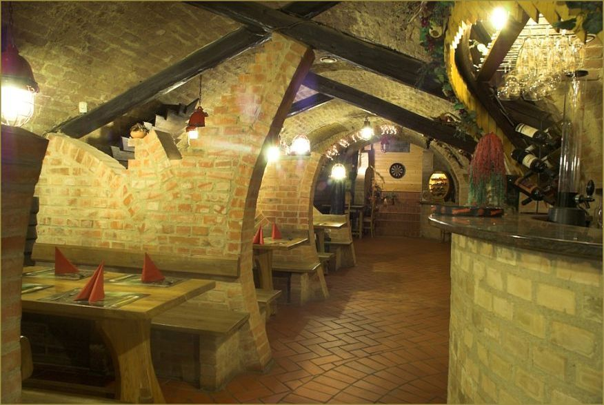 hotelmakar-restaurant-tavern