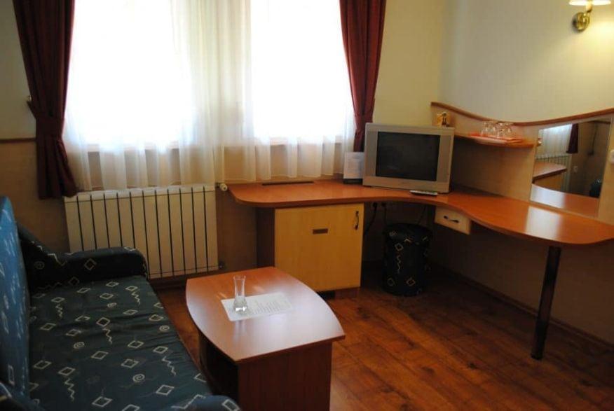 hotelmakar-atrium-szoba